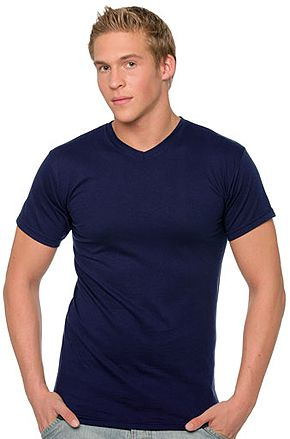 Camiseta Fruit of the Loom Cuello Pico marca Fruit of the Loom