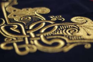 bordado oro